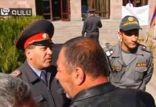 Photo of Լեզվակռիվ ազատամարտիկների եւ ոստիկանների միջեւ (ԼՐԱՑՎԱԾ)