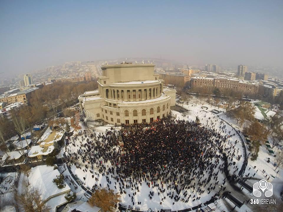 Photo of Քաղաքացիականի եւ ոչ քաղաքացիականի կեղծ դիլեման
