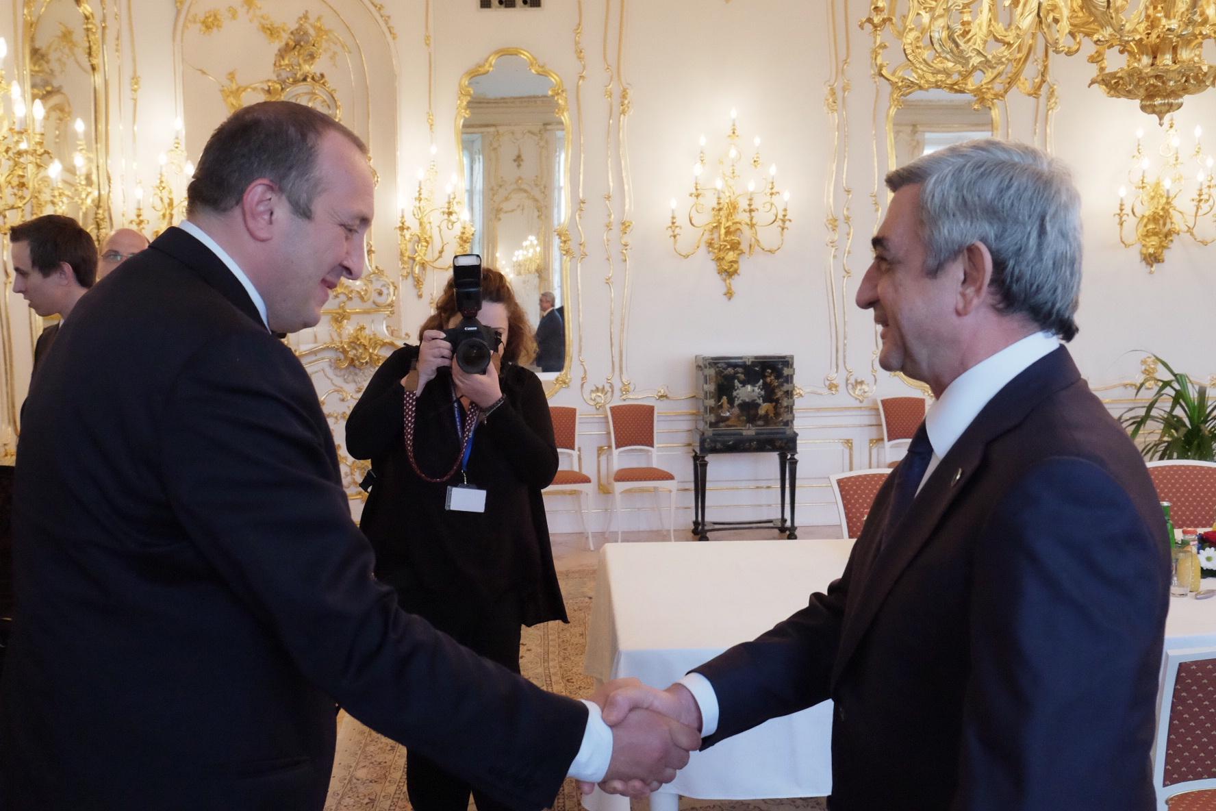 Photo of Ս. Սարգսյանը Պրահայում հանդիպել է Գեորգի Մարգվելաշվիլիի հետ