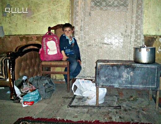 Photo of «Ամեն օր սպասում եմ պապայիս, որ եկաաա՜ավ, անպայման շատ ձիգ գրկելու եմ». 7-ամյա Արմենի երազանքը