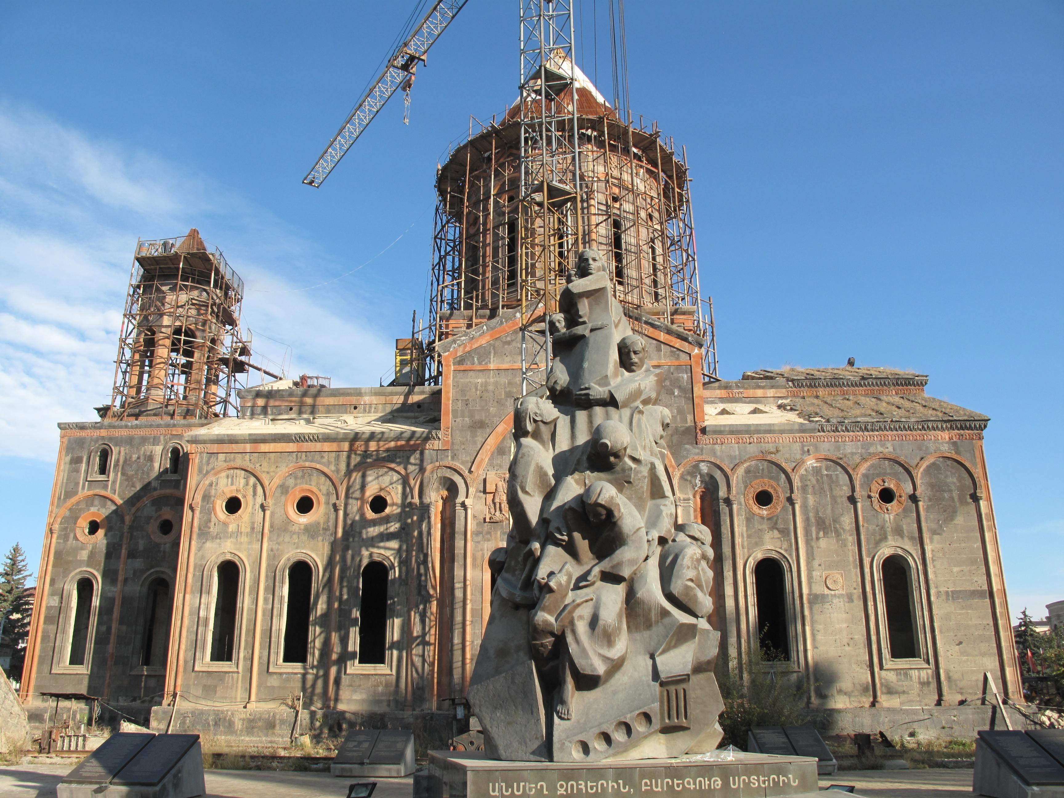 Photo of Օծվեց Գյումրու Սբ Ամենափրկիչ եկեղեցու խաչը