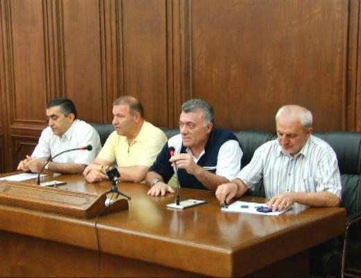 Photo of Քառյակի տարաձայնություններն ու ԱԺ պատգամավորների պայմանավորվածությունը լրագրողների մուտքը  խորհրդարան  խոչընդոտելու վերաբերյալ