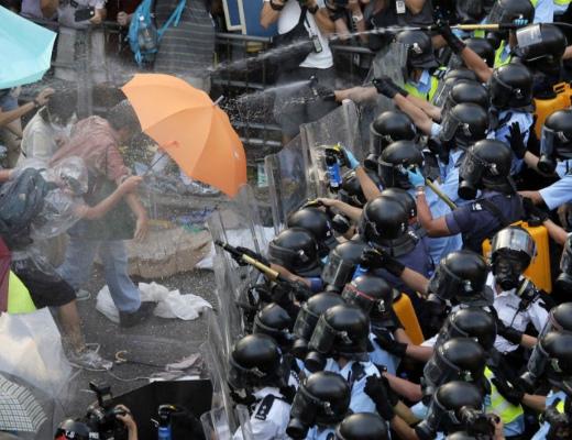 Photo of Հոնկոնգում շարունակվում են անկարգությունները. 40 ցուցարար է ձերբակալվել