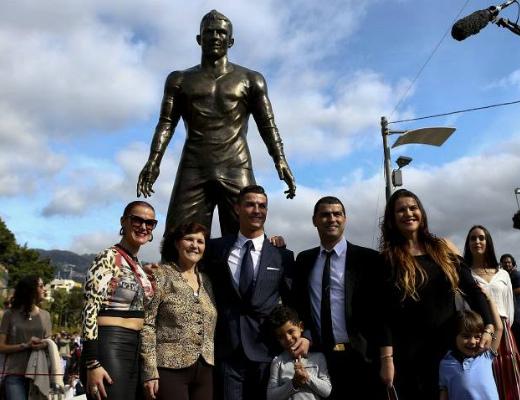 Photo of Ռոնալդուի արձանը կանգնեցվեց նրա հայրենի քաղաքում