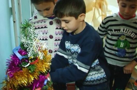 Photo of Սահմանի եզրին բնակվող երեխաները Ձմեռ պապից տանկ ու ատրճանակ են խնդրում