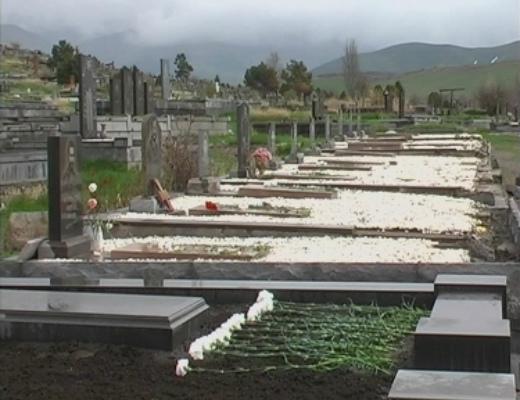 Photo of ՌԴ Պետդումայի պատգամավորներն այցելել են Գյումրի. Նրանք «Շիրակ» գերեզմանատանն են