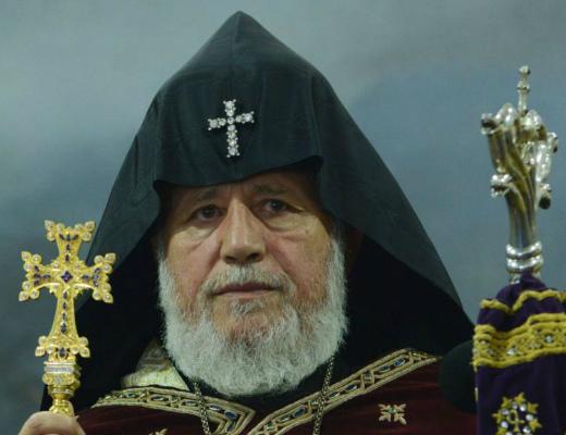 Photo of Католикос Всех Армян поздравил женщин и девушек с праздником Благовещения
