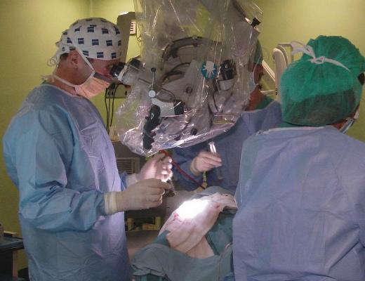 Photo of Հիպերլուսապատկերային տեսախցիկը կօգնի նյարդավիրաբույժներին