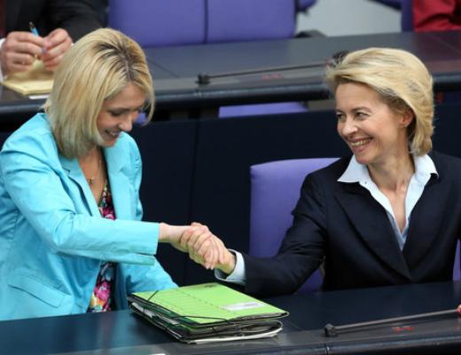 Angela+Merkel+Gives+Government+Declaration+AyB80Uwb3kul