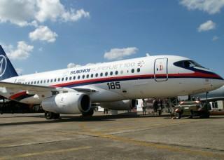 Sukhoi_SuperJet_100_95003