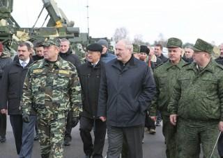 BO-18NOV13-Lukashenko-61st-fighter-Airbase