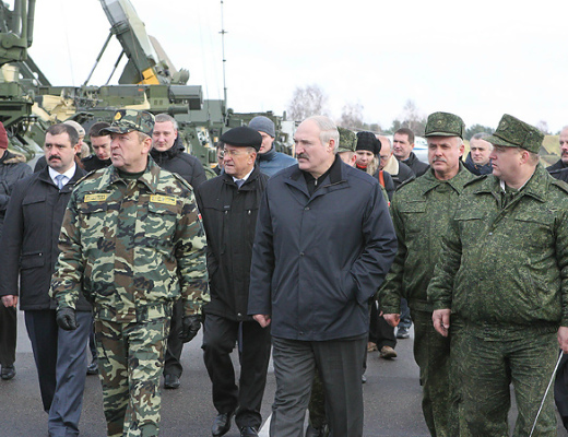 BO-18NOV13-Lukashenko-61st-fighter-Airbase