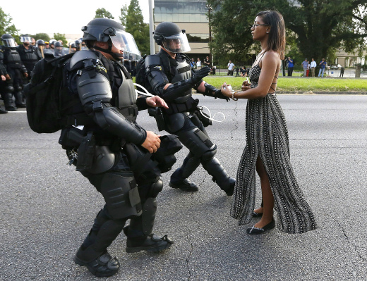 ieshiaevans-protest-tease-today-160711_2a9d09577bc3dbbbee11299308892cf7