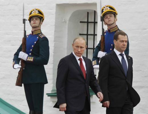vladimir_putin_and_former_president_dmitry_medvedev_at_inauguration_ceremony