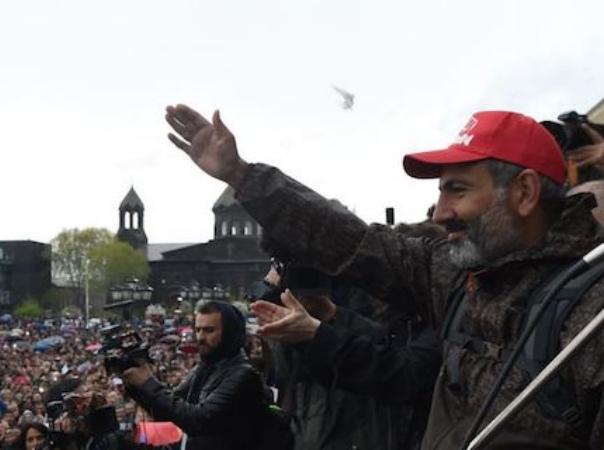 Photo of От 14-дневного шествия до Бархатной революции