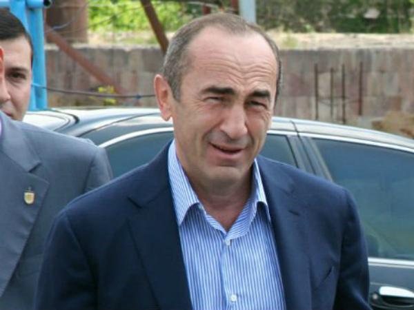 Photo of Քոչարյանը ժամանեց «Երևան–Կենտրոն» ՔԿՀ