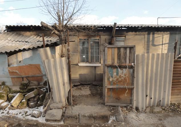 Photo of Շիրակի մարզում անօթևան քաղաքացիներին բնակարանների բաշխման և տնակների ապամոնտաժման գործընթացում առերևույթ պաշտոնեական կեղծիքներ կատարելու համար 4 անձի մեղադրանքներ են առաջադրվել