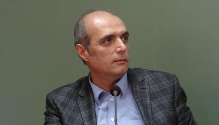 Photo of Գյումրիի ավագանու անդամ Լեւոն Բարսեղյանին չեն թույլատրել մտնել քաղաքապետարան