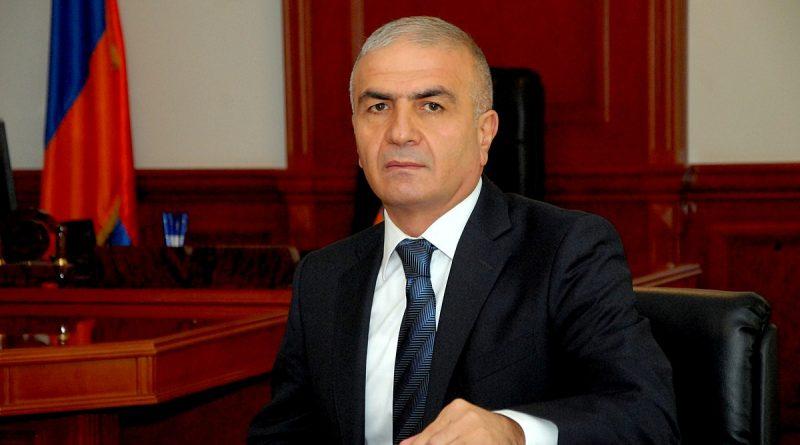 Photo of Սյունիքի մարզպետը մեկ օրում երկու անգամ դրամական պարգեւատրմամբ ինքն իրեն խրախուսել է. asparez.am