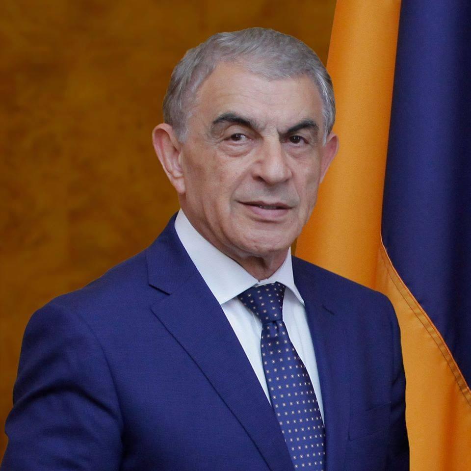Photo of Ара Баблоян отправился в Арцах