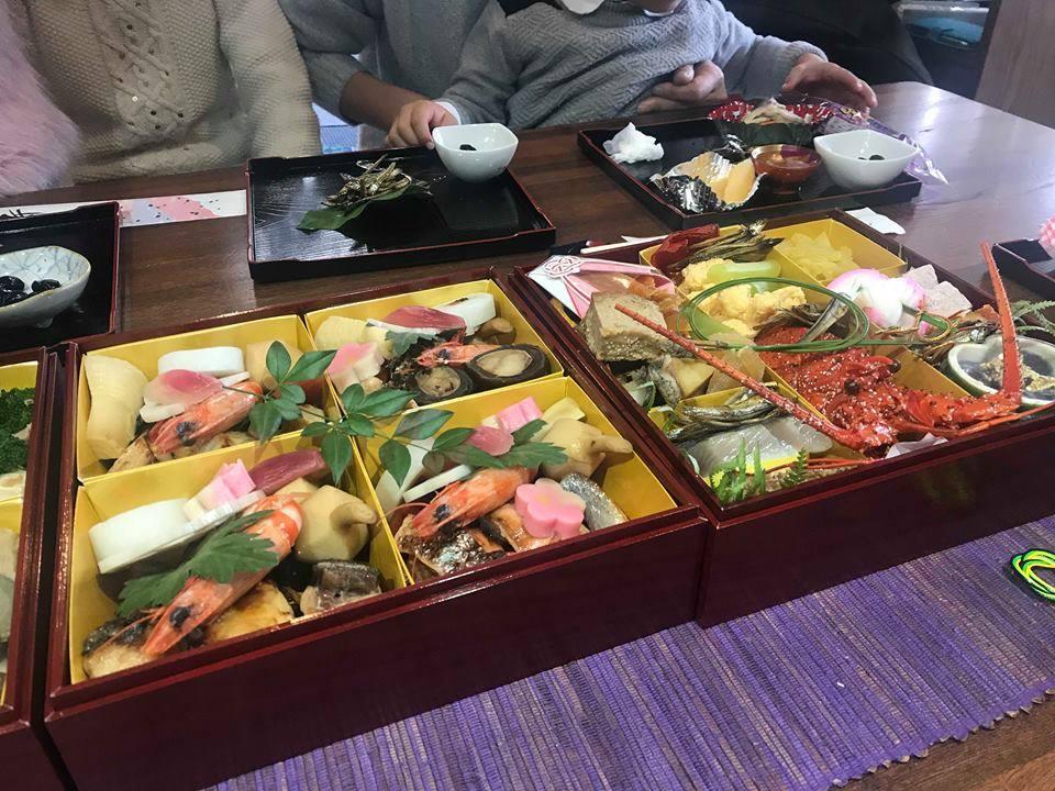 Photo of Ինչպիսի տեսք ունի ամանորյա սեղանը Ճապոնիայում. Էքսկլյուզիվ լուսանկարներ