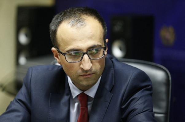 Photo of «По дороге из Ванадзора в Ереван, мне встретилась так называемая «колонна», — министр здравоохранения Арсен Торосян