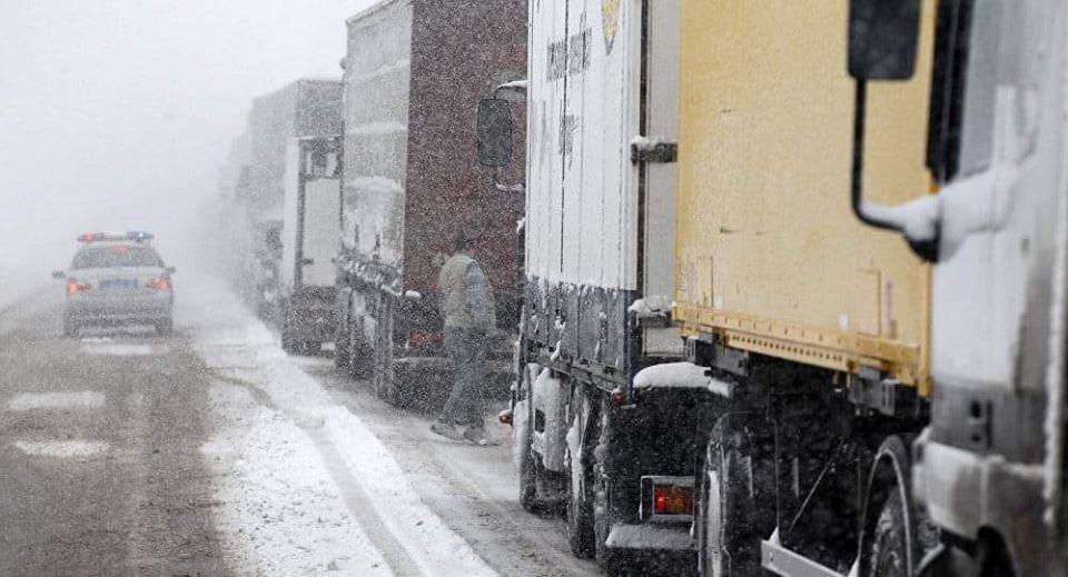 Photo of ՀՀ-ում կան փակ ավտոճանապարհներ. Լարսում՝ ռուսական կողմում կանգնած է մոտ 600 բեռնատար