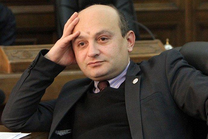 Ռուբեն Հայրապետյանն ուղղակի փորձել է սարքել Անդրանիկ Քոչարյանի գլխին.  Բարդ չէ հասկանալ՝ ինչու է նա դա անում