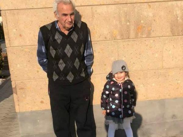 Photo of Պապիկն ու Արփին գարնանային եղանակն են վայելում