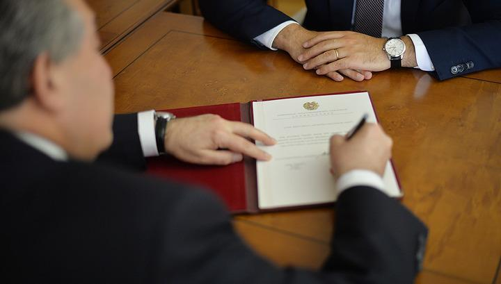 Photo of Արմեն Սարգսյանը ստորագրել է կառավարության օպտիմալացման մասին օրենքը