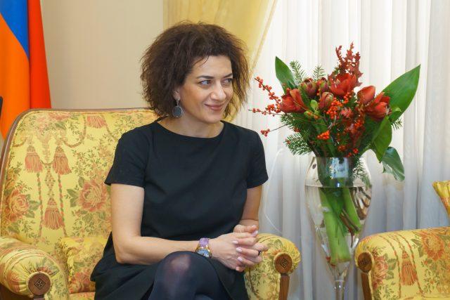 Photo of Ո՞վ է վարչապետի կինը եւ ի՞նչ կարգավիճակ ունի