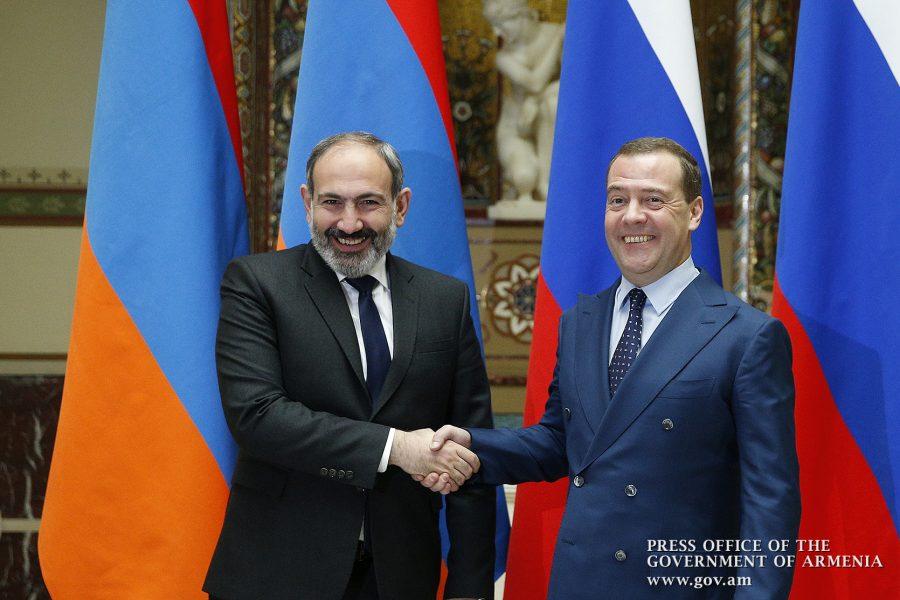 Photo of ՀՀ վարչապետը շնորհավորական ուղերձ է հղել ՌԴ կառավարության նախագահին՝ Մայիսի 9-ի առթիվ