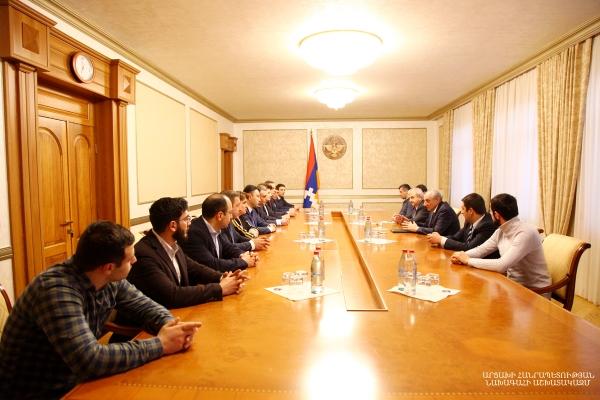 Photo of Բակո Սահակյանն ընդունել է Հայաստանի հանրապետական կուսակցության պատվիրակությանը