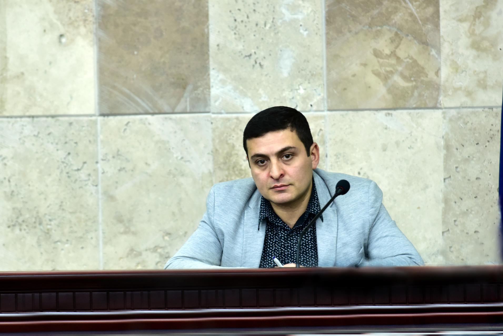 Photo of ԵՊՀ ուսումնական աշխատանքների գծով պրոռեկտոր է նշանակվել Մենուա Սողոմոնյանը