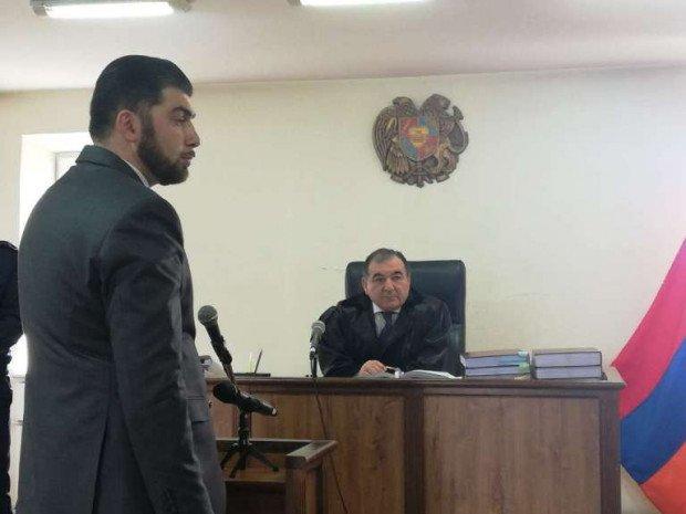Photo of Դավիթ Սանասարյանը դատարանում ցուցմունք է տալիս