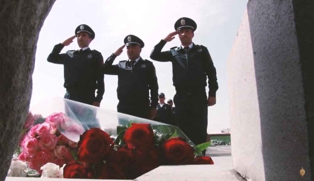 Photo of Հարգանքի տուրք ծառայողական պարտականությունները կատարելիս զոհված ոստիկանների հիշատակին