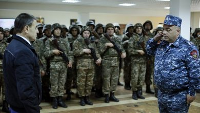 Photo of Վալերիյ Օսիպյանը կրկին սահմանապահ ոստիկանների է ճանապարհել դիրքեր