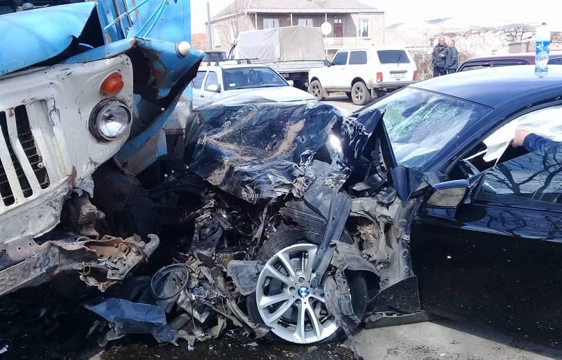 Photo of Խոշոր ավտովթար Լոռիում.կան վիրավորներ. armtimes.com