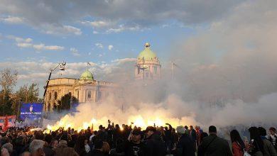 Photo of В Белграде начался многотысячный митинг в поддержку политики Вучича