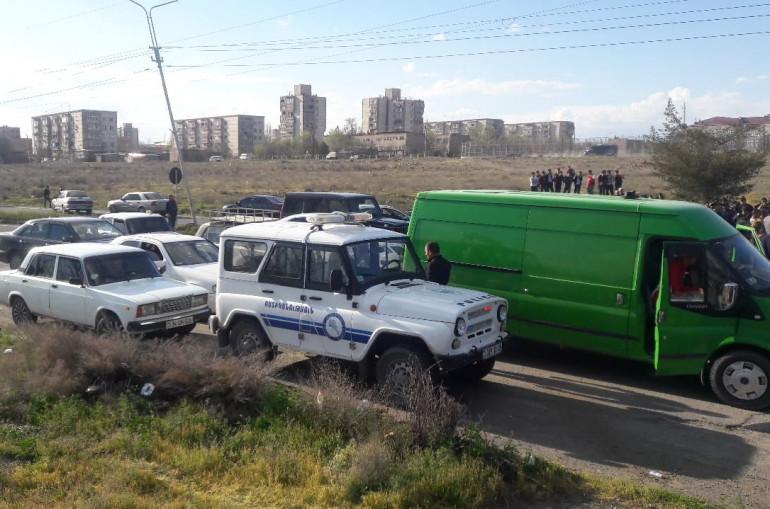 Photo of 23  տարի գյուղապետը  թալանել է գյուղը. Զարթոնք գյուղի բնակիչները փակել են Արմավիր-Երևան միջպետական ճանապարհը