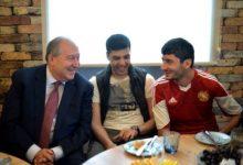 Photo of Քաղաքացու օրը ՀՀ նախագահի աշխատակազմում աշխատանքի է անցել ևս մեկ հայրենիքի պաշտպան