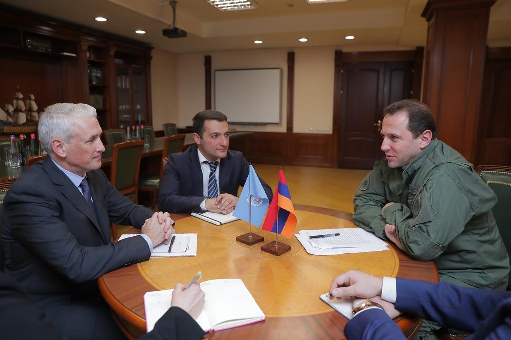 Photo of ՊՆ-ում հյուրընկալվել է ՀՀ-ում ՄԱԿ-ի մշտական համակարգող Շոմբի Շարփը