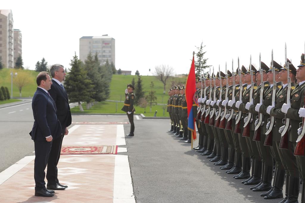 Photo of Чехия выполняет эмбарго на поставки вооружения в регион нагорно-карабахского конфликта