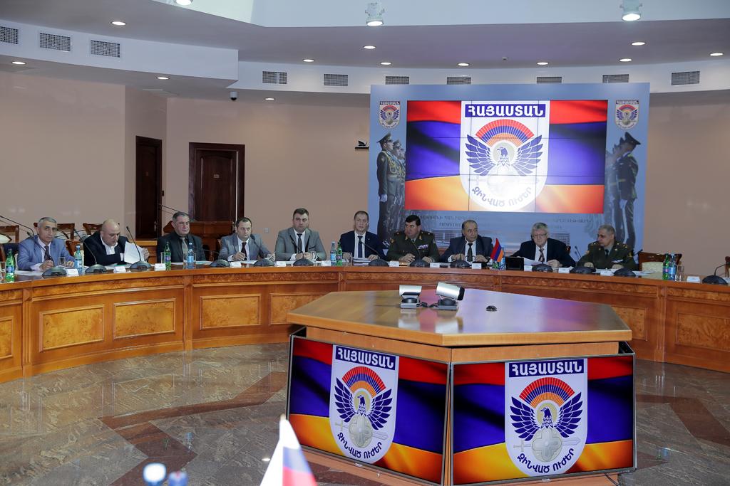 Photo of ՀՀ ՊՆ վարչական համալիրում անցկացվել է հայ-ռուսական միջպետական հանձնաժողովի նիստը