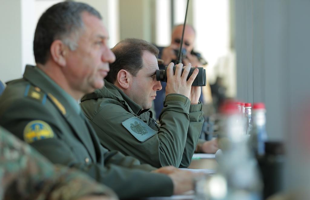 Photo of ՀՀ պաշտպանության նախարար Դավիթ Տոնոյանը հետեւել է զորավարժությունների եզրափակիչ փուլին