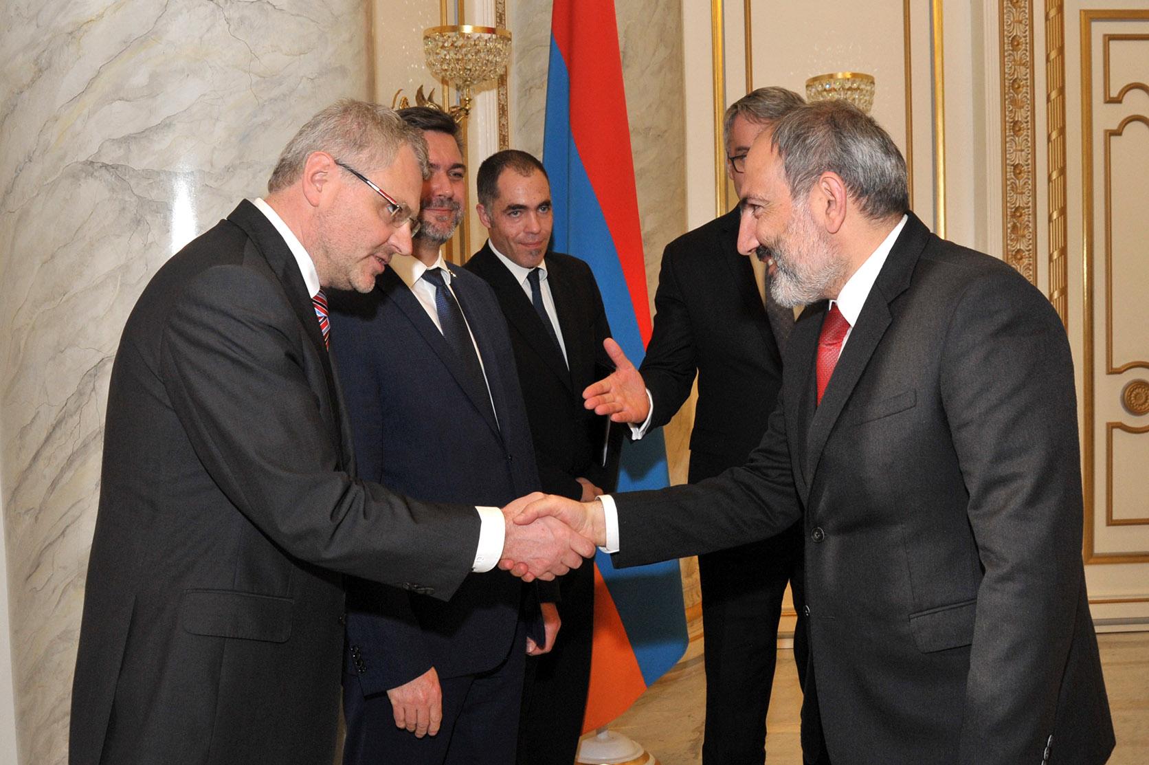 Photo of Վարչապետը և Չեխիայի պաշտպանության նախարարը քննարկել են համագործակցության հարցեր