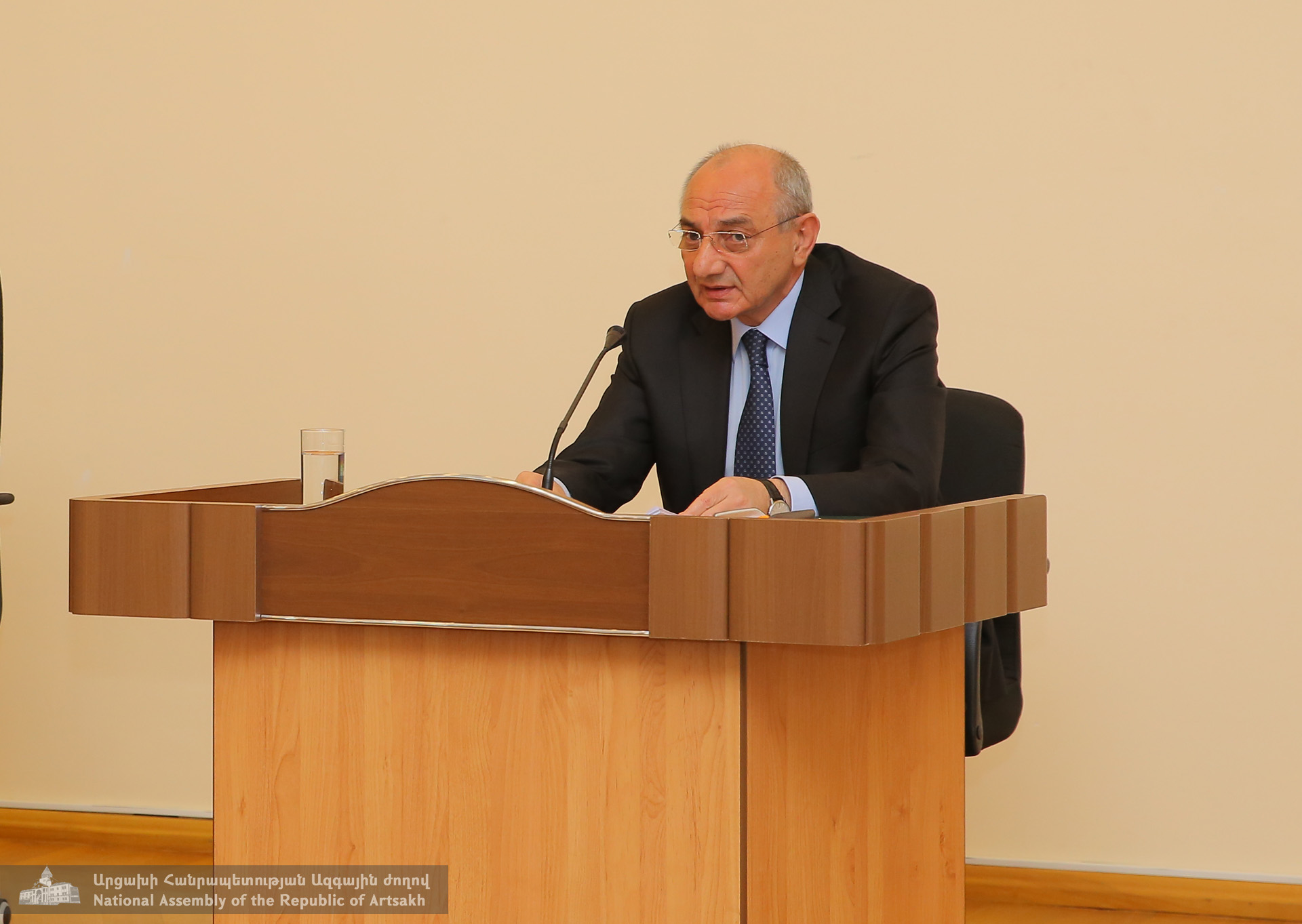 Photo of Հակամարտությունը պետք է կարգավորվի բանակցություններին Արցախի լիիրավ մասնակցությամբ. Բակո Սահակյան