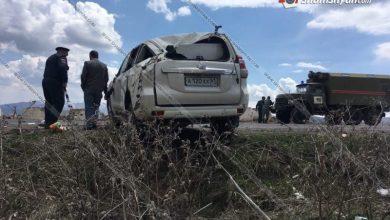 Photo of ՌԴ-ից Հայաստան ժամանած տղամարդը, ով պետք է Սյունիքում լիներ հարսանիքի քավոր, Toyota Prado-ով բախվել է քարերին. կա 1 զոհ, 2 վիրավոր