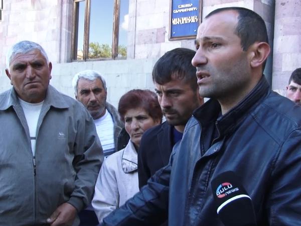 Photo of Հացադուլ գյուղապետի հրաժարականի պահանջով