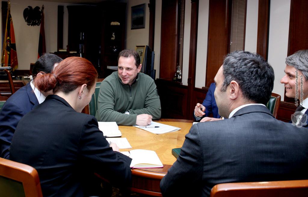 Photo of ՀՀ պաշտպանության նախարարն ընդունել է ՄԱԿ-ի Զարգացման ծրագրի մշտական ներկայացուցչին